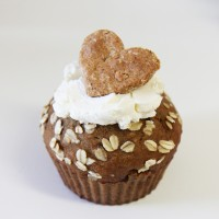 giant-pupcake-heart