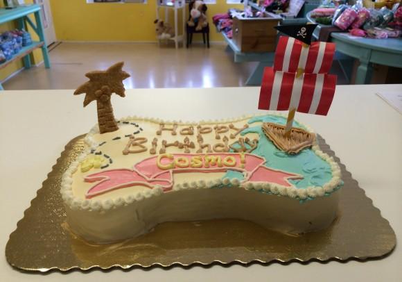 Cosmo - custom doggie pirate party cake